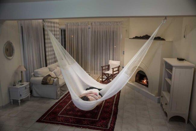 Heaven Natural im Wohnzimmer und Befestigung an der Decke